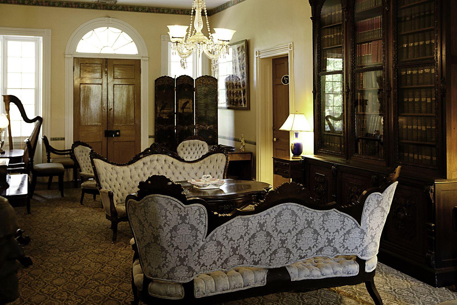 Tours Monmouth Historic Inn